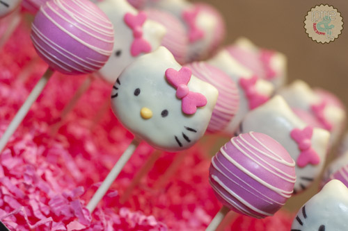 Hello Kitty Cake Pops