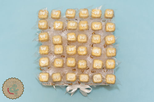 Gold Present Cake Pops